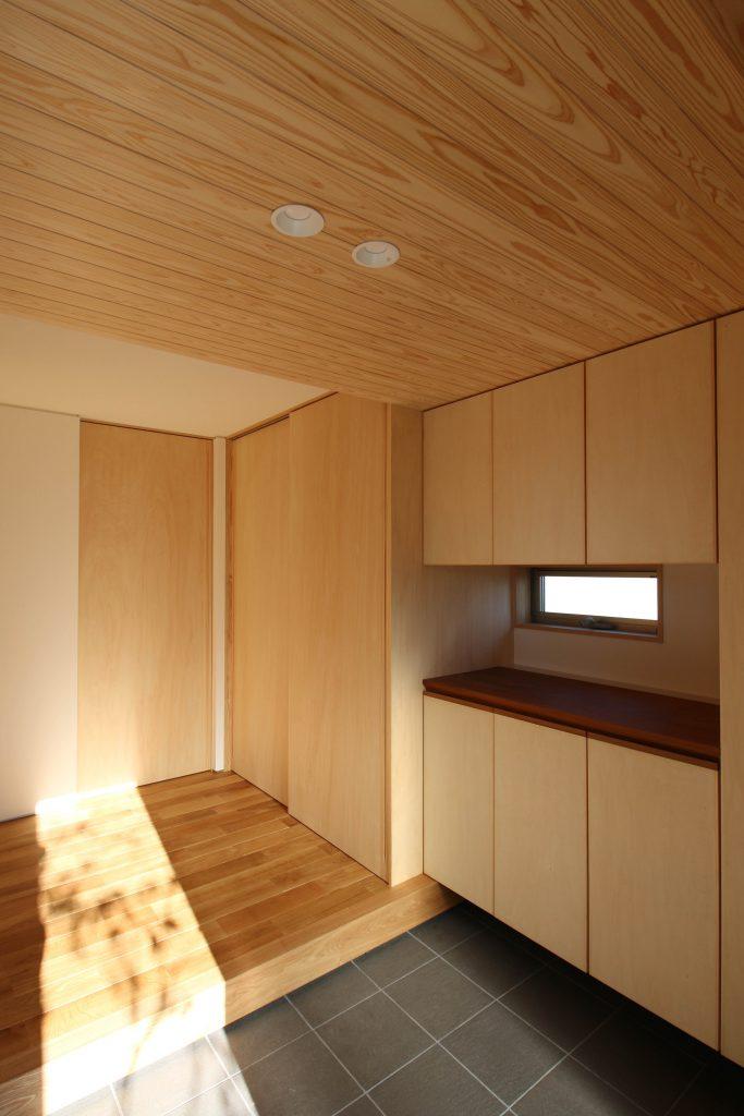 シナランバーコアを使った家具とシナベニアを使った建具