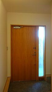 木製ドアの内観の画像