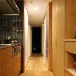 コルクタイルの床メリットデメリット キッチン、洗面、トイレなどの床にどうぞ